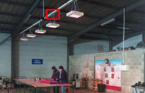 Rails électriques destinés à l'alimentation aérienne de panneaux chauffants déplaçables.