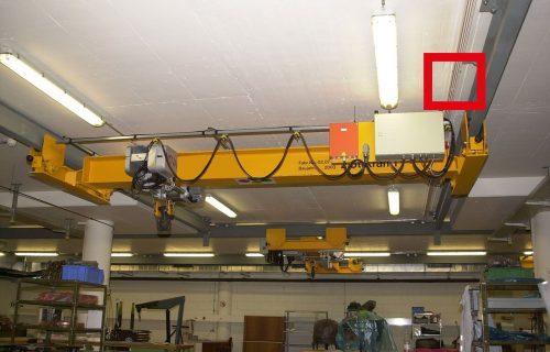 Rails électriques pour l'alimentation d'un pont roulant de 2,5 Tonnes sous abri.